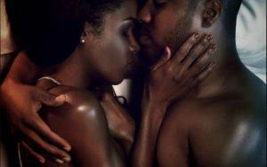 Секреты блаженства женщины: как правильно её ласкать и каких действий избегать в постели?