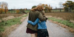 Когда уходит детство: как наладить близкие отношения с дочерью – подростком или уже взрослой