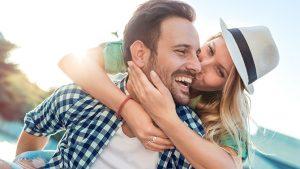 Предпочтения мужчин Весы в любви: какие женщины им нравятся