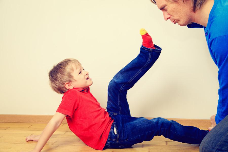 Ребёнок мужа просто бесит: превращаемся из плохой мачехи в добрую фею
