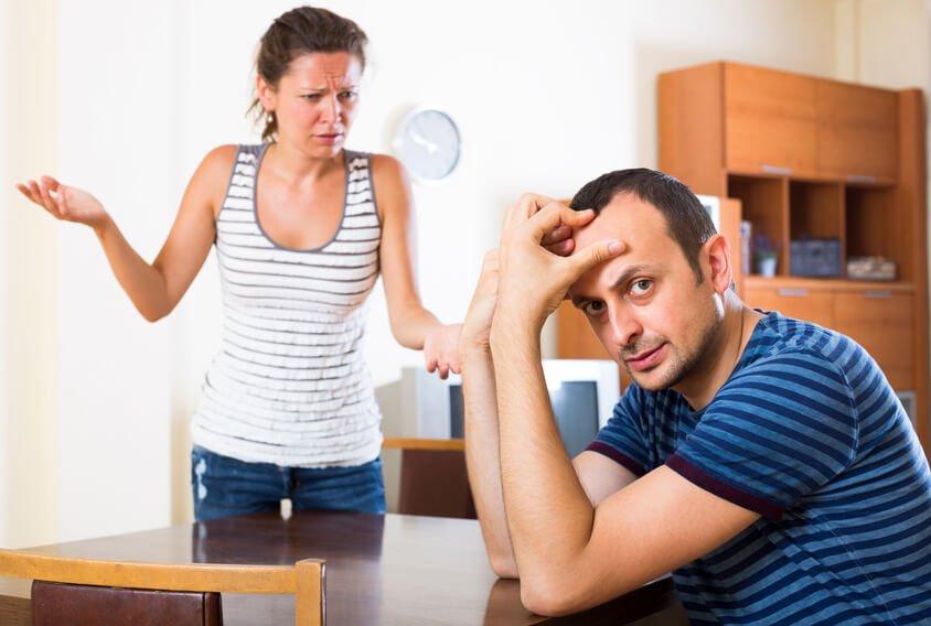 Жена в шоке: муж регулярно изменяет с мужчиной