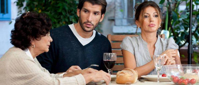 Что делать, если я ненавижу свекровь: мудрым невесткам на заметку