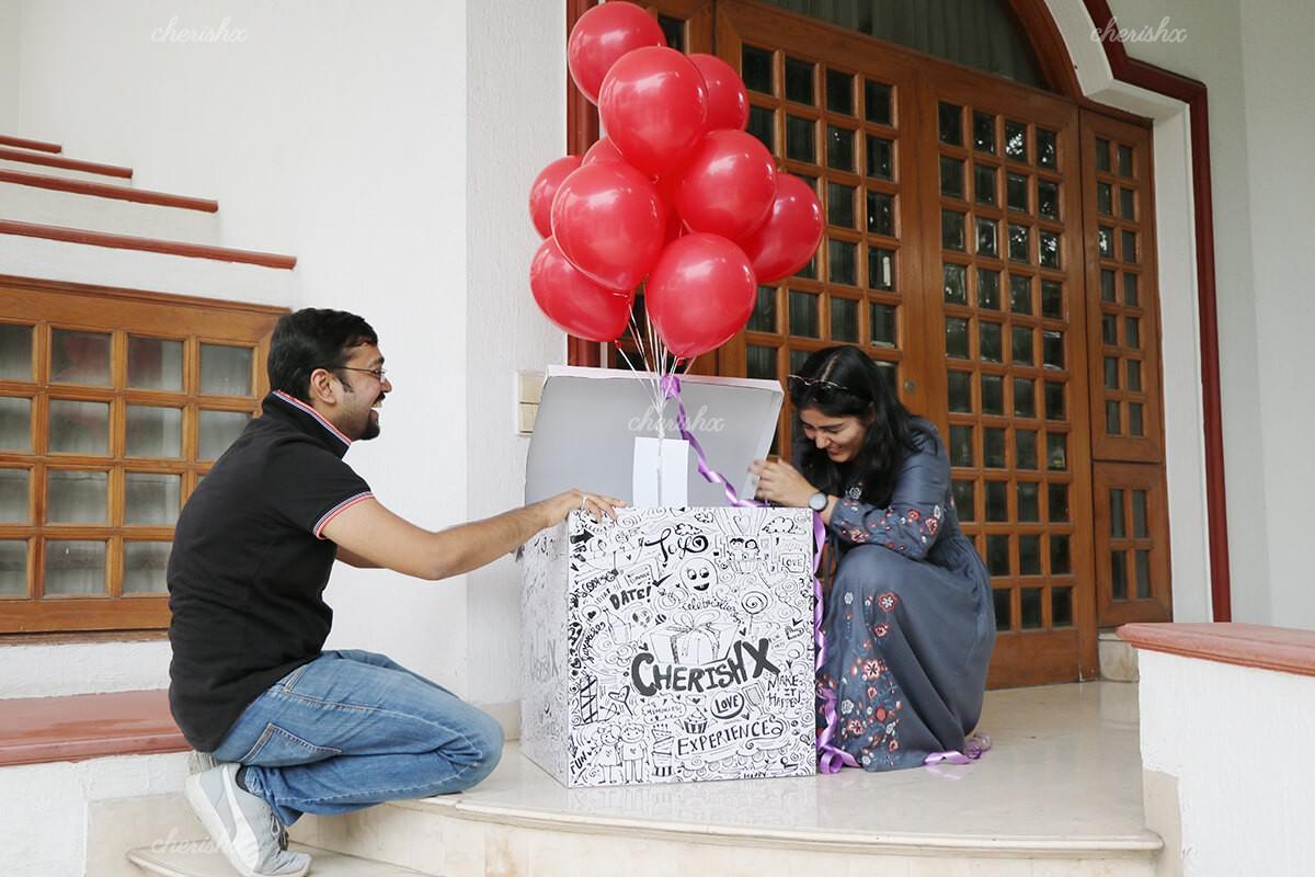 Что подарить девушке: обзор сюрпризов на 18 лет