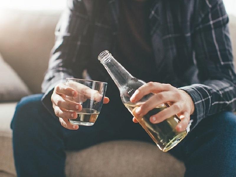 Депрессия обычная алкогольная, или Как Зелёный Змий порабощает душу