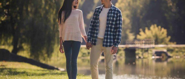 О чём и как говорить с парнем, когда гуляешь: ценные советы и интересные темы