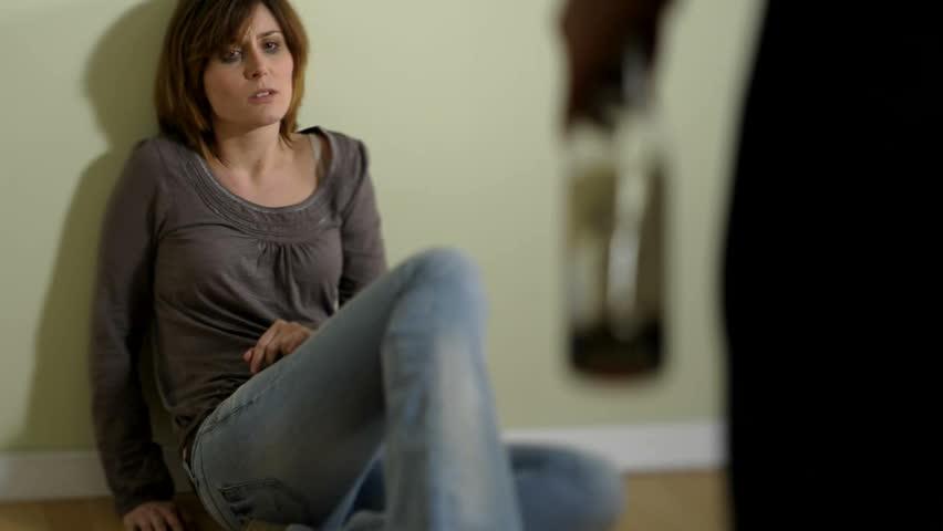 Что делать, если муж оскорбляет и унижает: советы психолога